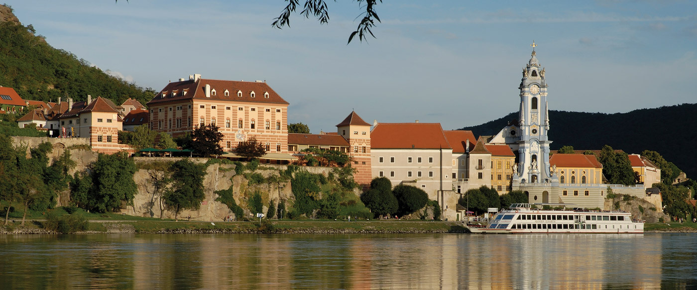 Schloss d rnstein luxury hotel in wachau austria for Luxury hotels austria