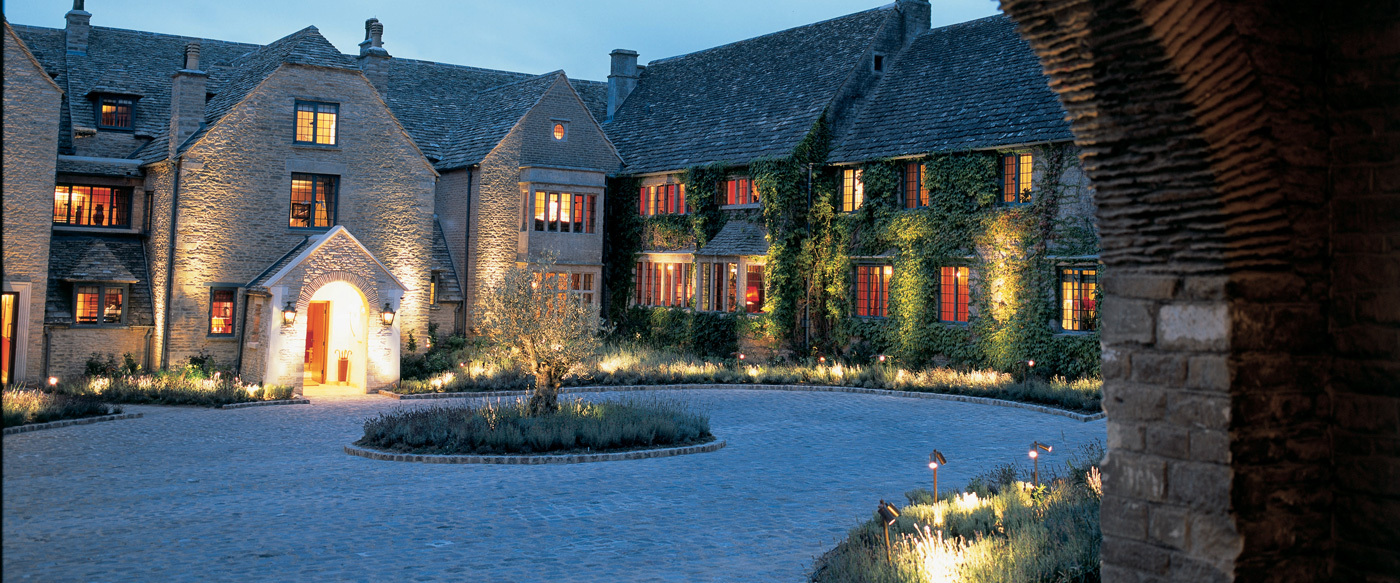 Whatley manor luxury hotel in cotswolds england for Top luxury hotels uk