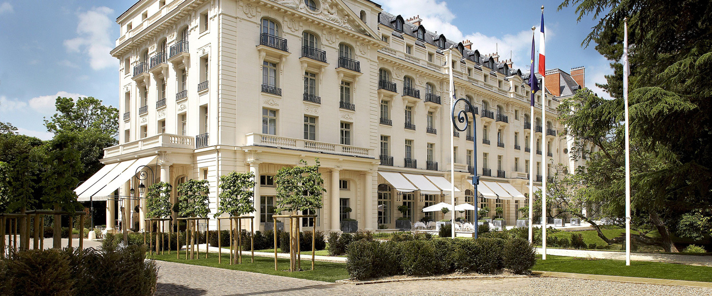 Waldorf astoria trianon palace versailles luxury hotel for Hotel original france