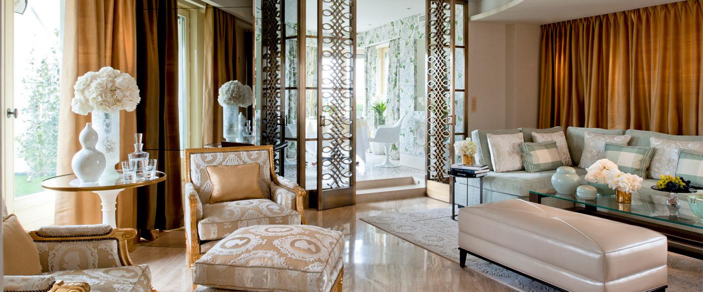 Four Seasons Hotel George V Paris Luxury Hotel in Grand Luxury